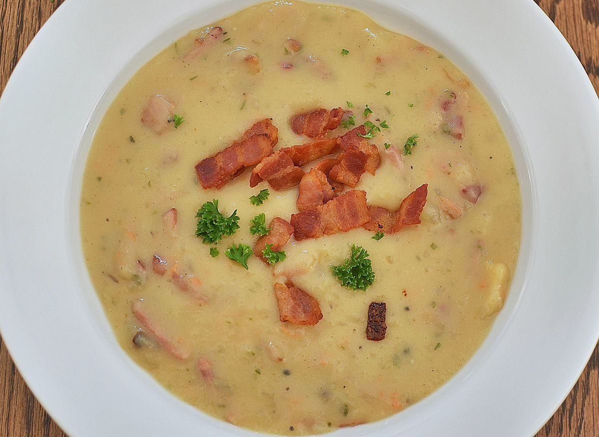 By jeffreyw (Mmmm... Parmesan Potato soup) [CC BY 2.0 (http://creativecommons.org/licenses/by/2.0)], via Wikimedia Commons